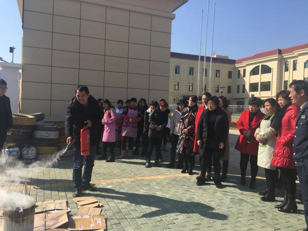 大徐镇中心幼儿园新学期伊始安全工作先行